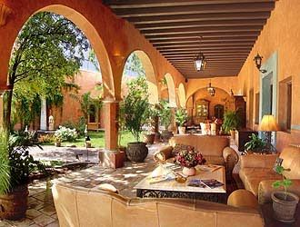 Mexican hacienda style courtyard fiesta a la mexicana for Mexican hacienda floor plans