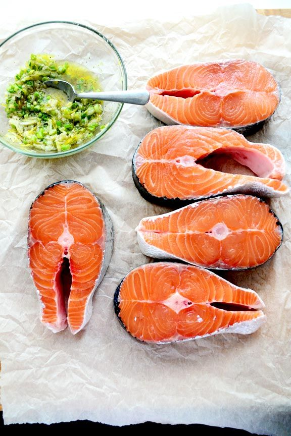 savory, summery salmon with garlic, olive oil and lemon