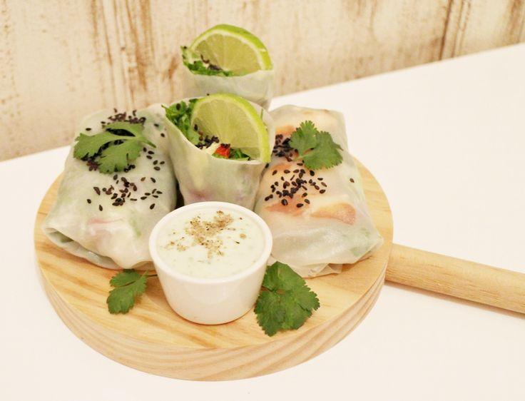 aurora vega cook, receta ligera, receta con obleas de arroz, obleas de arroz, recta tupper, receta con salmón, receta light, ideas para cenar, ideas para comer