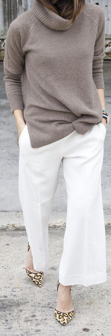 Upperlyne Dusty Pink Turtleneck White Wide Leg Pants Leo Heels Wide Leg Pants Fall Insoi