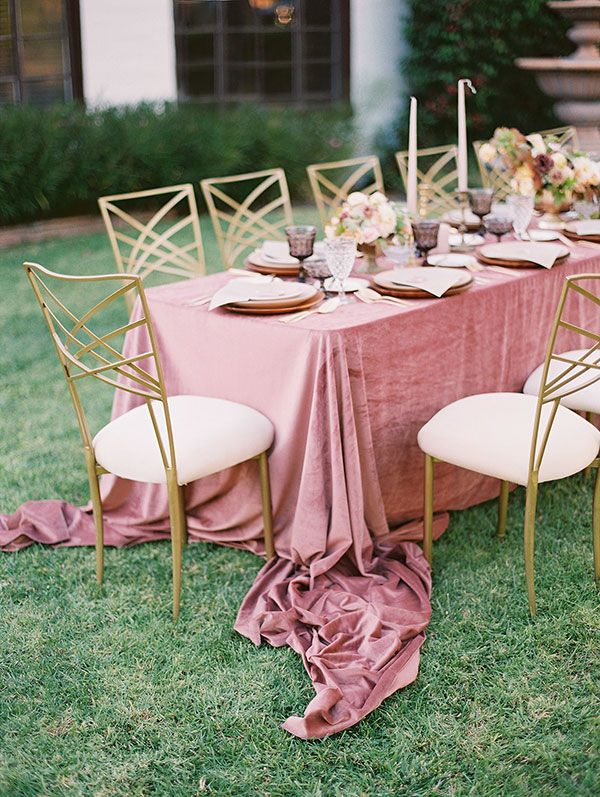 La Tavola Fine Linen Rental: Velvet Blush | Photography: Tiffany Amber Photography, Event Design, Styling & Invitations: Deets & Things, Floral Design: Bloom + Beam Floral Co, Rentals: Classic Party Rentals and Party Pieces by Perry, Tableware: Cherished Rentals, Calligraphy: With Love Calligraphy