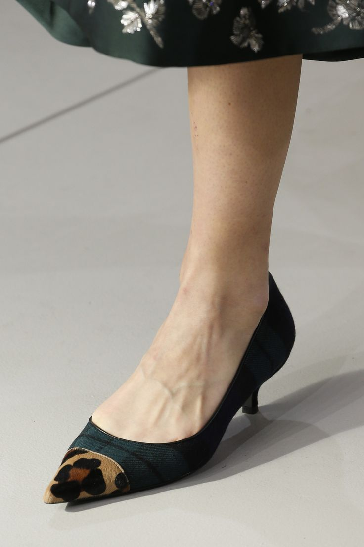 Marques Chaussure luxe femme L.K. Bennett femme KENDALL SUEDE - SMOKE