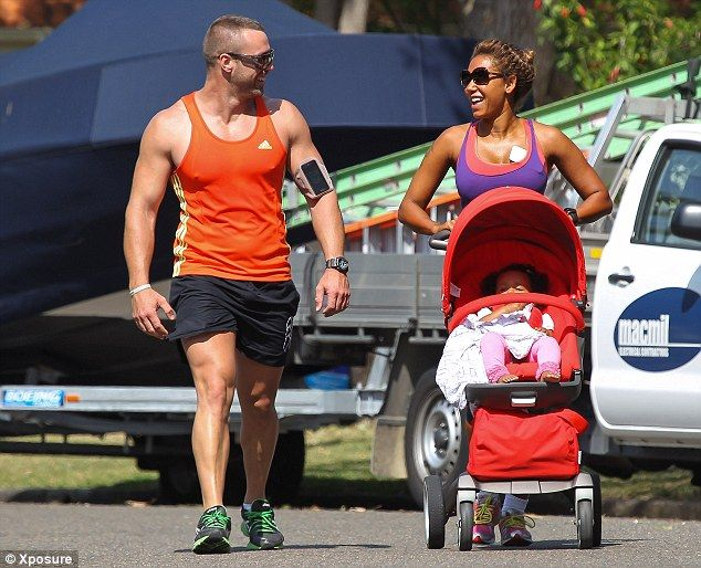 Mel B works out with Stokke Xplory
