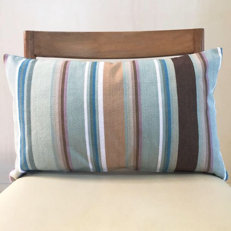 Un preferito personale dal mio negozio Etsy https://www.etsy.com/it/listing/526929499/dusty-turquoise-lines-cushion