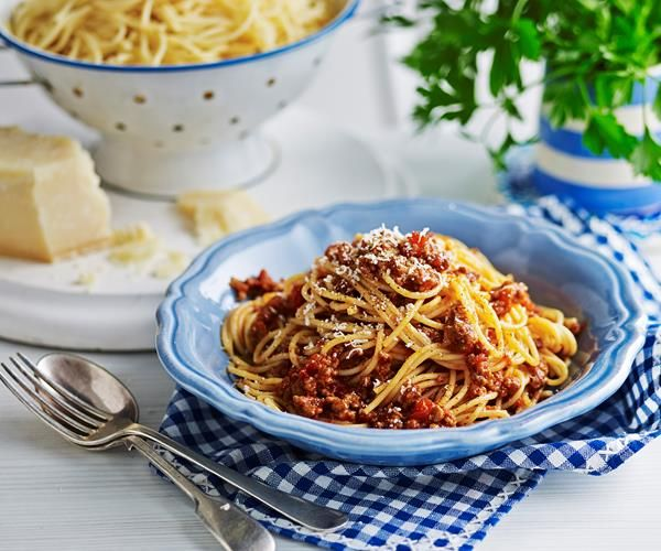 Julie Goodwin's 6-hour bolognese recipe | Food To Love