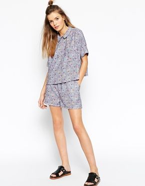 ASOS AFRICA Pull On Shorts in Blue Floral Geo