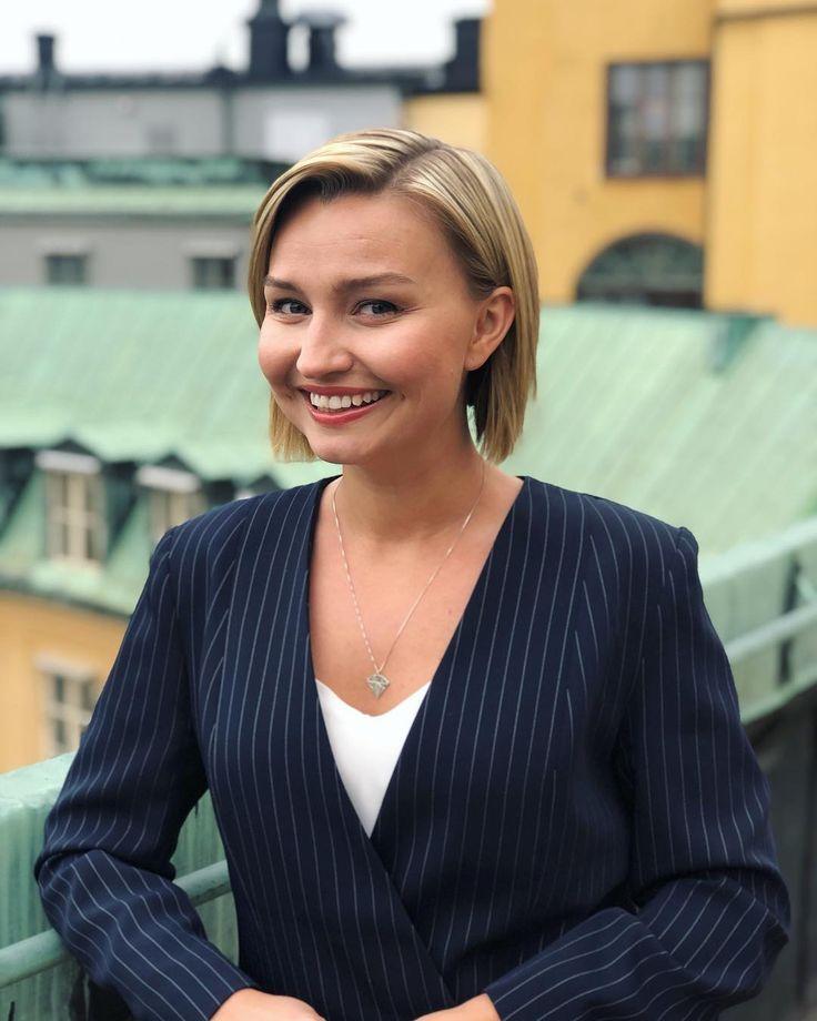 """Ebba Busch on Instagram: """"Här står jag och ser lurig ut ..."""