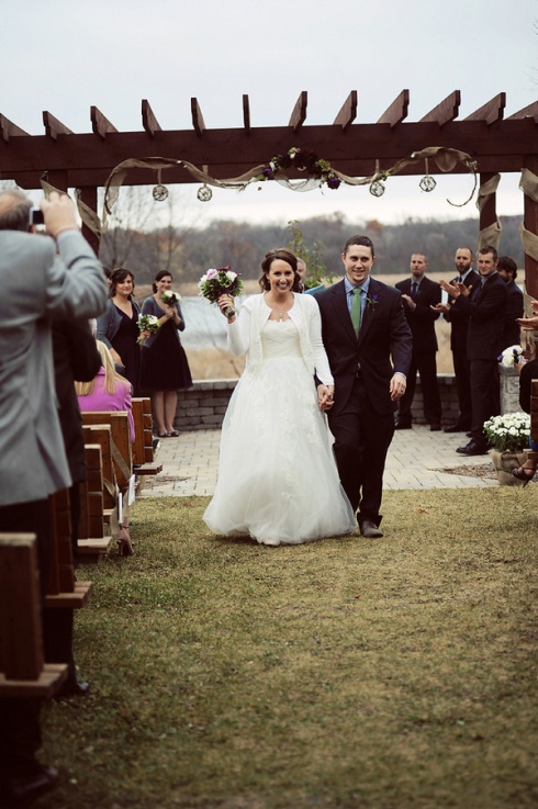 Diy Rustic Chic Wedding At Minnesota Horse And Hunt Club In Prior Lake Mn Photo Www Carissachristine Ceremony Decor Pinterest