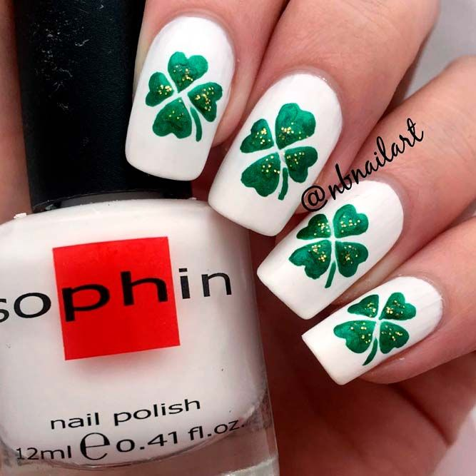 White And Green Shamrock Nail Art #handpaintednails #glitternails ★ We have collected many greenish and so lovely St Pa…