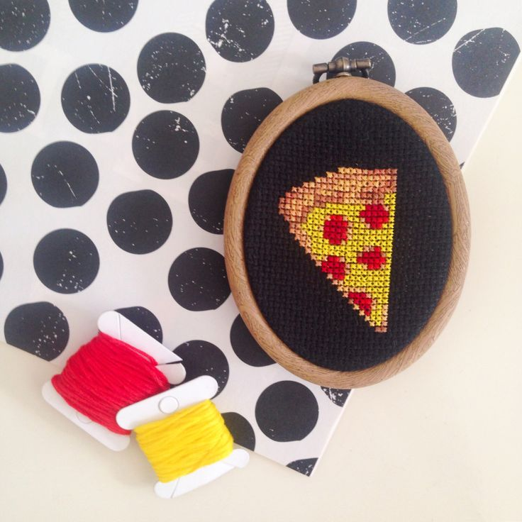 Pizza Emoji Art Cross Stitch Embroidery Hoop by daisymakesberlin on Etsy https://www.etsy.com/listing/246575192/pizza-emoji-art-cross-stitch-embroidery