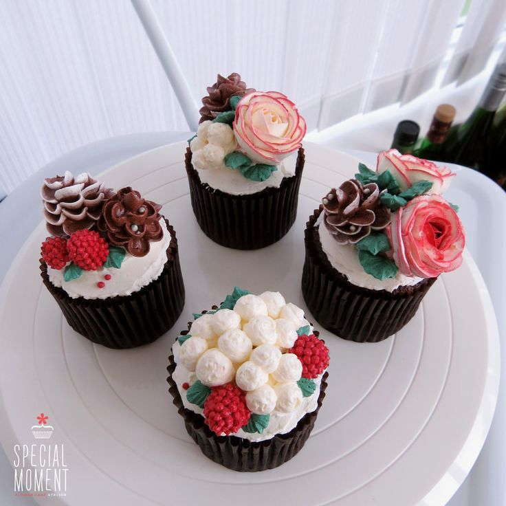 Christmas Cake Decorations Flowers: 17 Best Images About Flower Cupcake On Pinterest