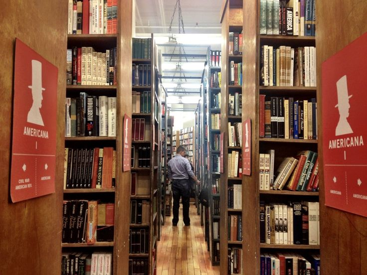 My Top 10 Favourite NON-TOURISTY Things to do in NYC! The Strand Bookstore. New York.