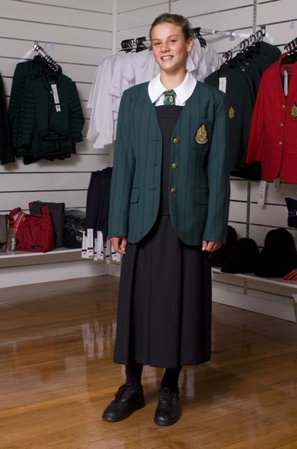 formal essay on school uniforms School uniform-persuasive essay wearing uniforms makes you look more formal schools should require students to wear uniforms to match the school scenario it doesn .