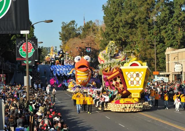 Tips and Frequently Asked Questions about seeing the Rose Parade, also know as the Rose Bowl Parade in Pasadena, CA: What is the Rose Parade?Which are the best grandstand seats?How do I take the Metro to the Parade?Where should I stay to go to the Rose Parade and Rose Bowl?