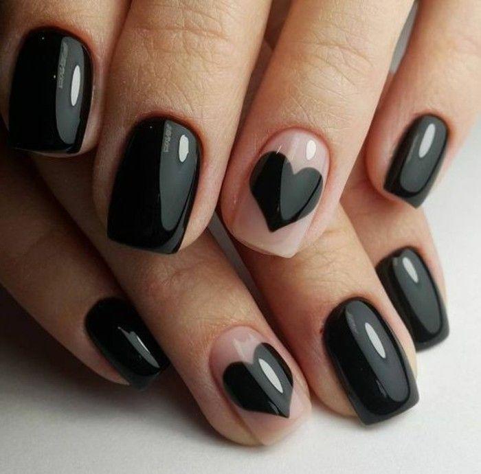 decoracion-uñas-en-negro-elegante-corazones-negros