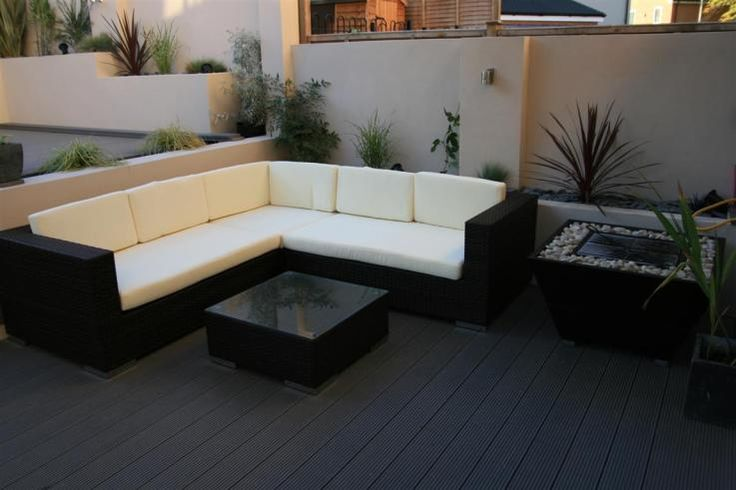 Black Contemporary Seating Area