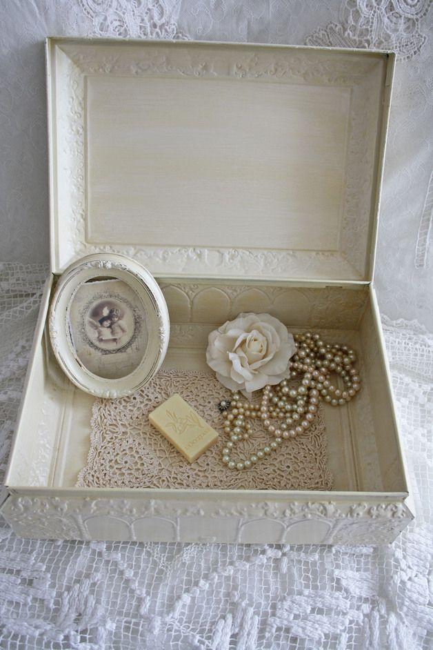 Vintage Aufbewahrung - Blechdose Lebkuchendose Truhe Box Vintage - ein Designerstück von ifb bei DaWanda