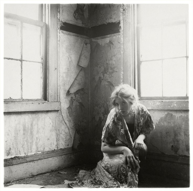 Francesca Woodman 1975 - 1978. Без названия. Провиденс, Род-Айленд