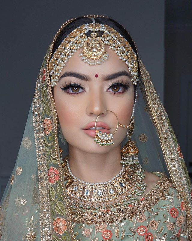 Stunning Indian Bridal Look Jewelry By A La Couture Makeup By Sohal Grewal Blue Rose Artsit Indian Bride Makeup Bridal Makeup Images Indian Bridal Makeup