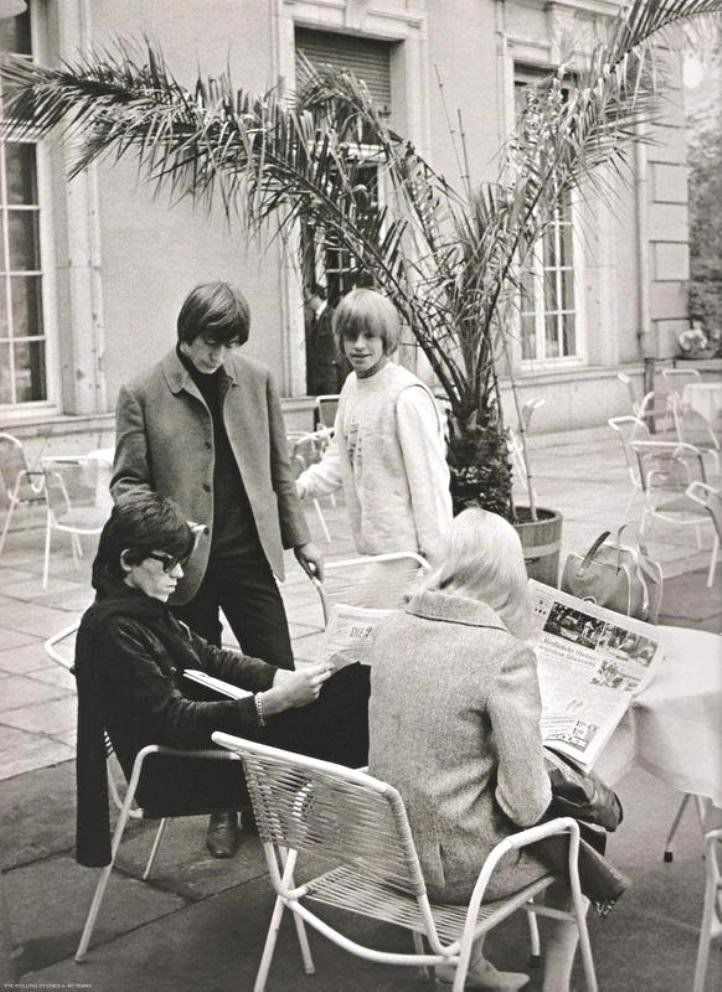 1965 - Keith Richards, Brian Jones, Charlie Watts, Shirley Watts