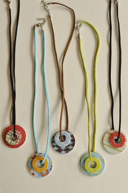 Inexpensive and easy craft: Two different size washers, mod podge, scrapbook paper and some diamond glaze added to a leather cord and you have a unique necklace for just about a dollar or so.: Camp Crafts, Mod Podge, Scrapbook Paper, Washer Necklaces, Girl Scout, Size Washers, Craft Ideas