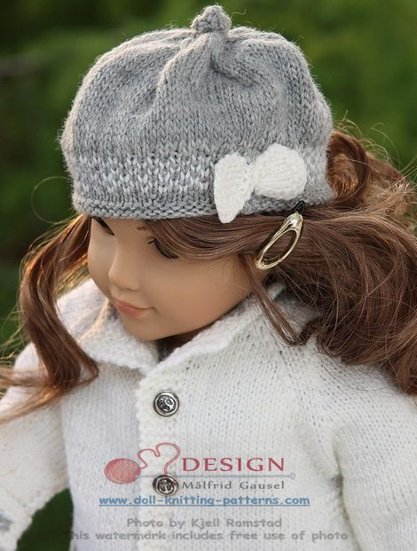 Knitting patterns for dolls clothes - simple, timeless elegance in grey and white