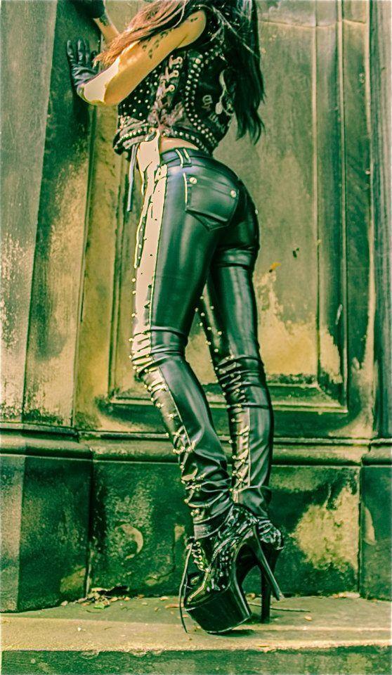 Toxic Vision pants + Shoes  = sexy