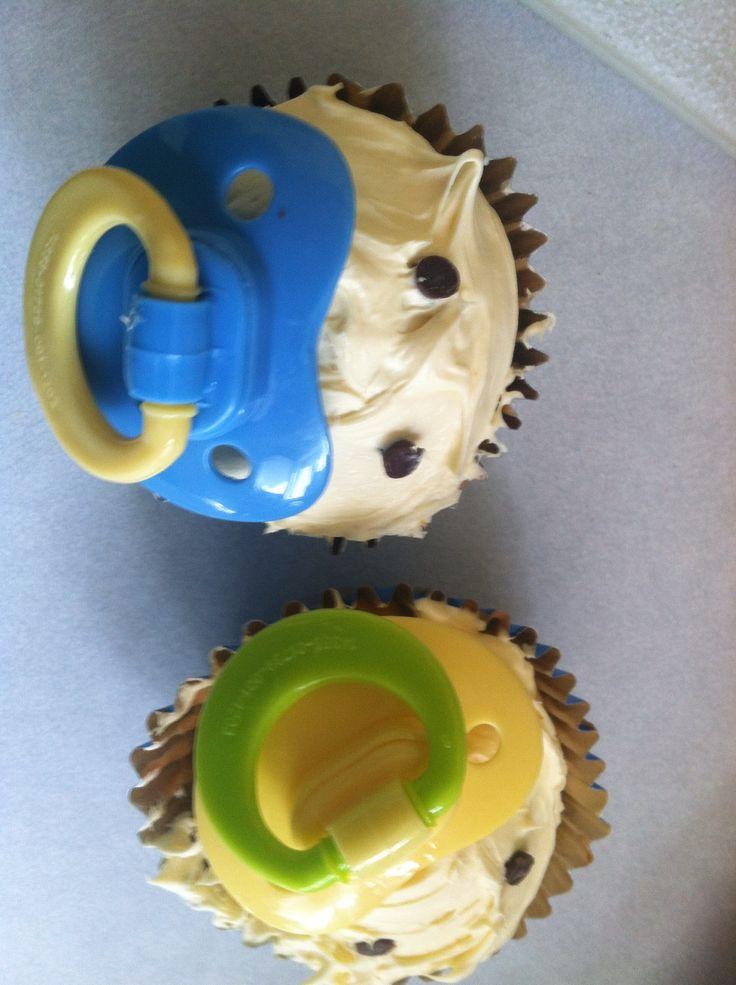 Baby shower cupcakez