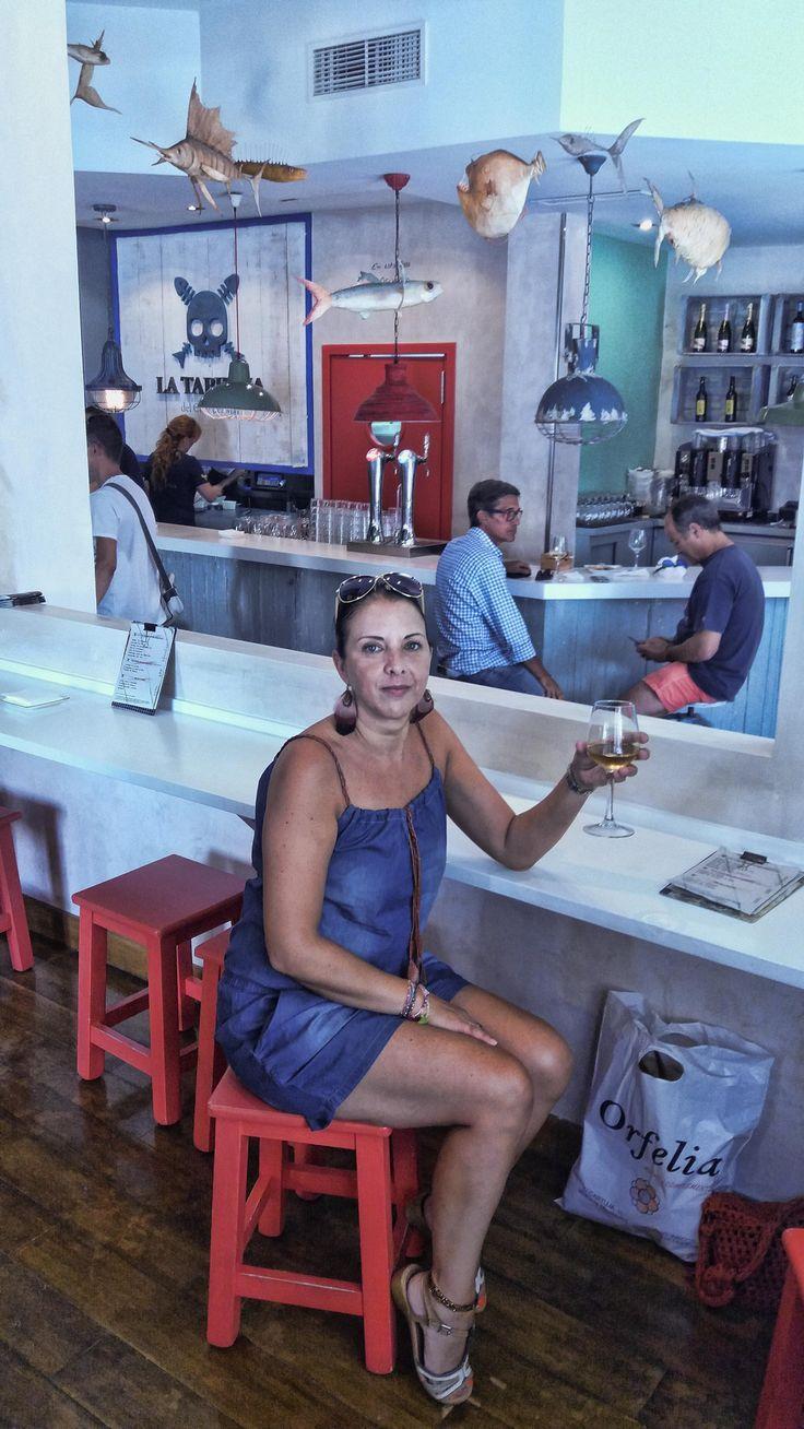Comiendo en la taberna del chef del mar.Puerto Santa Maria.