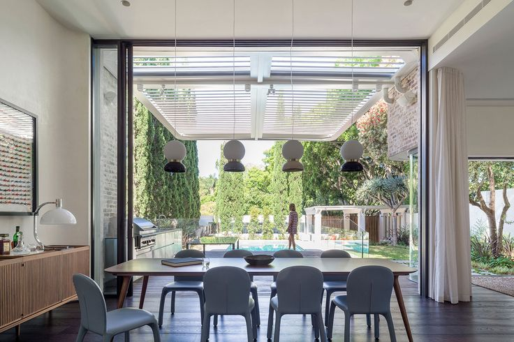 The New Twin Peaks by Luigi Rosselli Architects | Yellowtrace | #diningroom