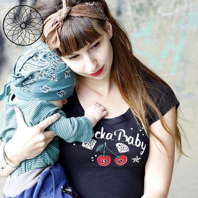 """Rockabilly Vol2 - Plotterdatei Serie. http://fusselfreies.dawanda.com  Es sind folgende Motive enthalten: - """"Rockabella"""" Portrait - Oldtimer - """"Rocker Faust"""" - Ankerherz """"Mom"""" - Ankerherz """"Dad"""" - Billybaby Skull - Pik Skull - Schleife mit Skull - Kirschen (Billardkugeln) - Kirschen (Würfel) - 2 Schwalben mit Rock'n Roll Emblem - Diamant - Sterne - 3 tanzende Paare (Silhouetten) - 17 Schriftzüge: """"Rockabilly"""", """"Rockabella"""", """"Rocker Baby"""", """"Baby Rocker"""", """"Pride"""", """"Glory"""", """"Loyalty"""", """"Family""""…"""