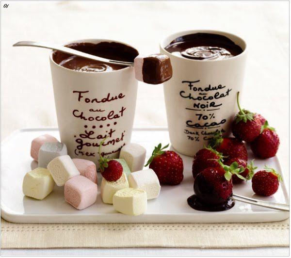 ~ Fondue for two ~: Chocolate Fondue, Yummy Food, Fondue Au, Holidays Gifts, Chocolates Fondue, Parties Desserts, Great Ideas, Drinks, Chocolates Pots