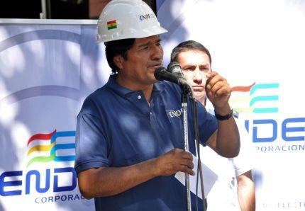Morales reprend le contrôle de la production d'énergie  Le président de la Bolivie poursuit sa politique de nationalisation d'entreprises énergétiques, détenues en partie par des firmes étrangères. L'auteur de l'article défend la décision du gouvernement et dissipe quelques malentendus.