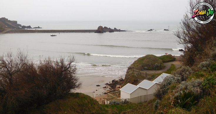 SNOW... for an hour. Excitement over until next year!! We have a lovely clean 1-2ft with very low offshore winds building through the day and turning northerly  Get in before midday with a big board as it's nice and calm!  High Tide (am): 09:33 (7.1m) Low Tide (am): 03:26 High Tide (pm): 21:56 (6.6m) Low Tide (pm): 15:52  Widemouth has some nice small waves this morning!  Check out our full surf report and 7 day report here: https://www.zumajay.co.uk/surf-report