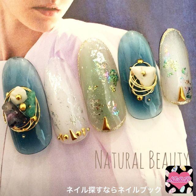 ネイル 画像 Natural Beauty 赤坂 1526777 緑 青 白 エスニック ホイル 夏 その他 ソフトジェル ハンド ミディアム