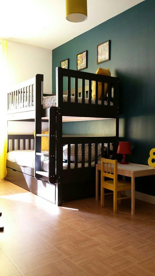 Une chambre de super héros pour mes garçons ☆ bleu canard, jaune, rouge et gris☆