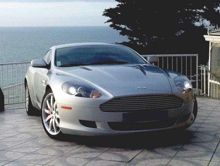 2006 - ASTON MARTIN DB9 «Les Aston Martin sont éternelles» Après le rachat par Ford de la firme chère à David Brown, l'avènement de la DB7, basée sur des éléments Jaguar et conçue par Ian Callum, a littéralement… - Aguttes - 24/05/2015