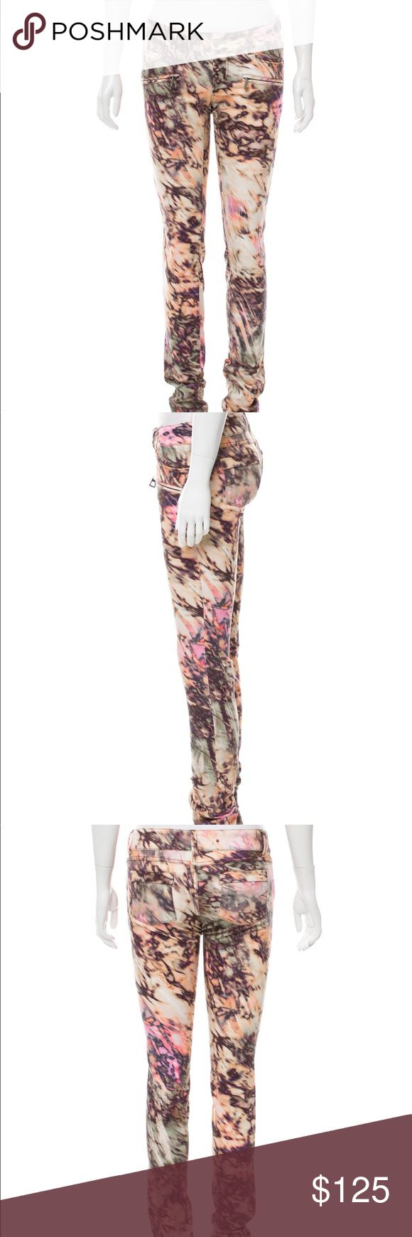 """⭐️ Barbara Bui Pink Abstract Printed Skinny Jeans Pink and multicolored Barbara Bui low rise skinny jeans. Five pockets, with dual zip accents on upper thigh. Fly zipper closure.  97% Cotton 3% Elastane   30"""" Waist  32"""" Hips 7"""" Rise  11"""" Leg Opening  36"""" Inseam Barbara Bui Jeans Skinny"""