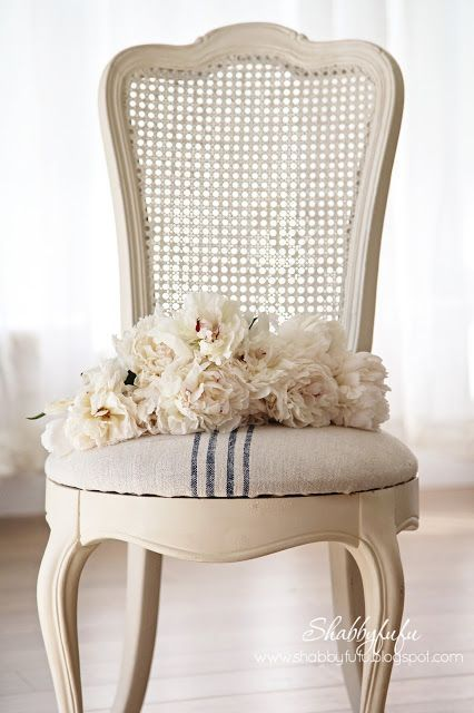 How to easily reupholster a French caned chair with ticking stripe fabric | Shabbyfufu