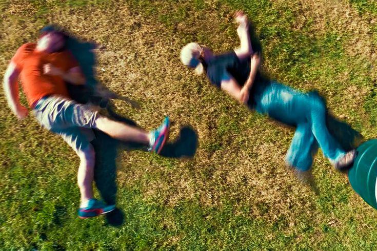 Лежачий паркур https://mensby.com/video/entertainment/4679-recumbent-parkour  Даже из самых простых вещей можно сделать что-нибудь интересное. Преодоление препятствий, погоня, драка и немного юмора в следующем забавном ролике.
