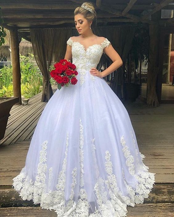 20 Vestidos estilo princesa para noivas românticas #casamento #bride | Maquiagem Casamento in 2019 | Sheer wedding dress, Wedding gowns online, Wedding gowns