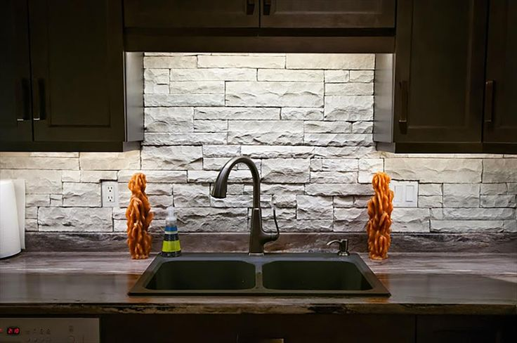 Best 25 manufactured stone ideas on pinterest for Mortarless stone veneer panels