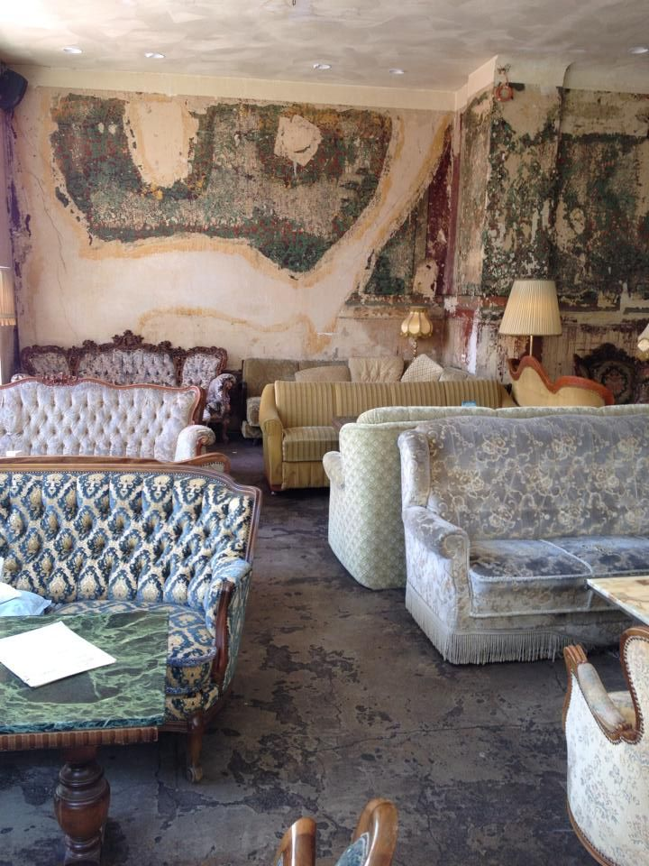 Cafe In Hamburg Shattered Wall Old Sofas Baroque Shabby Chic