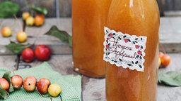 Zwei Flaschen Apfelpunsch
