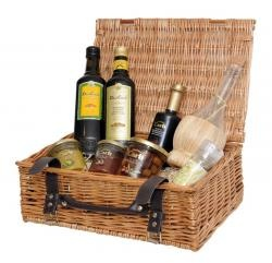 "Italian Gourmet Oil & Vinegar Hamper:  A beautiful Italian Oil & Vinegar Hamper is any gourmet's first choice from the Italian provinces.    Carli Balsamic Vinegar from Modena (250ml)  Olives in Brine(290g)  Extra Virgin Olive Oil ""Fruttato"" (500ml)  Extra Virgin Olive Oil , D.O.P, Riviera Ligure, (500ml)  Mediterranean Salt with olives and rosemary (80g)  Raffia Olive Oil 500ml Bottle for decanting the Olive Oil"