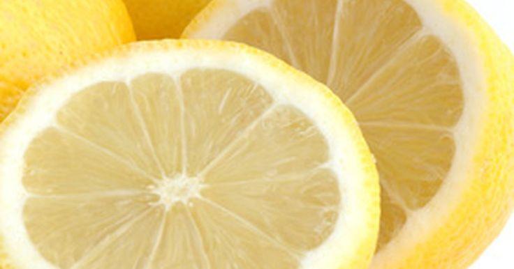 ¿Qué bebidas no contienen ácido cítrico?. Evitar alimentos, bebidas o productos domésticos que contienen ácido cítrico no es una tarea fácil. El ácido cítrico es un ácido orgánico que se utiliza como conservante y saborizante para alimentos y bebidas, así como en muchos artículos para el hogar, tales como champús, limpiadores y detergentes de lavandería. Las personas que sufren de una ...