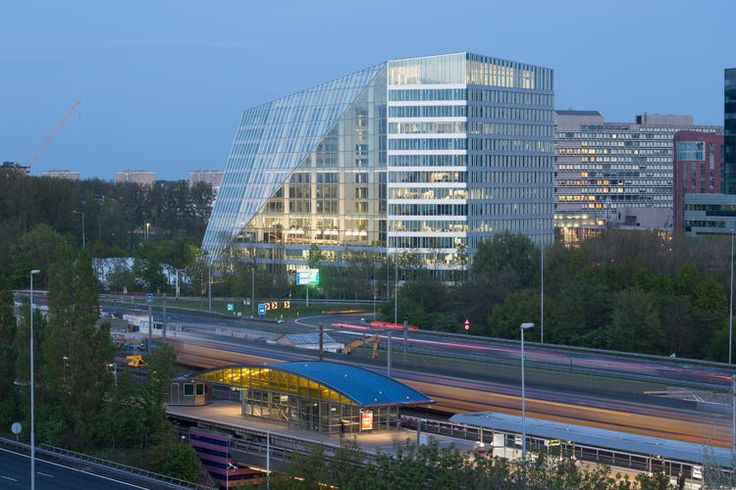 This Frighteningly Smart Office Building Knows Exactly What You Want, When You Want It