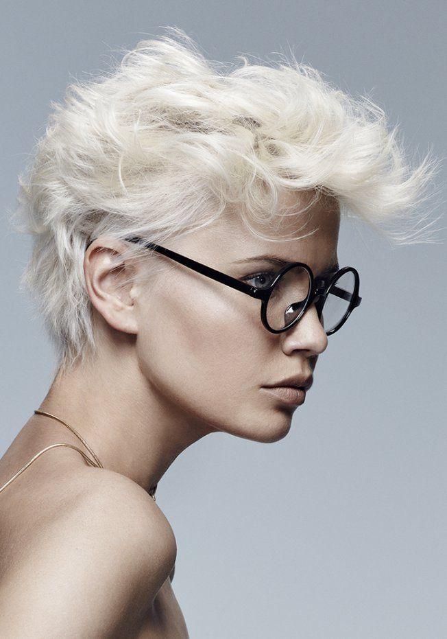 Les 25 meilleures id es concernant coupes la gar onne sur pinterest coiffures pixie cheveux - Coupe a la garconne ...