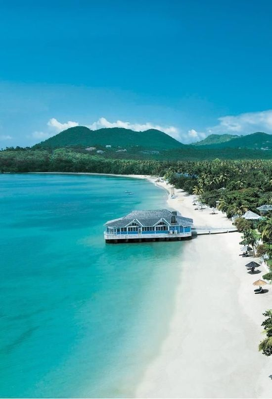 Saint Lucia, Caribbean Sea | http://beautifulbeachresorts.blogspot.com