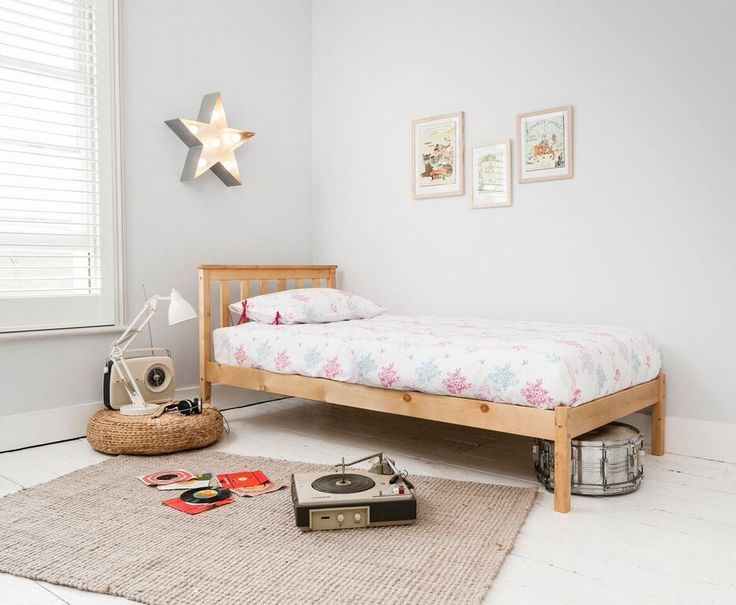 Noa And Nani Winchester Single Bed In Pine